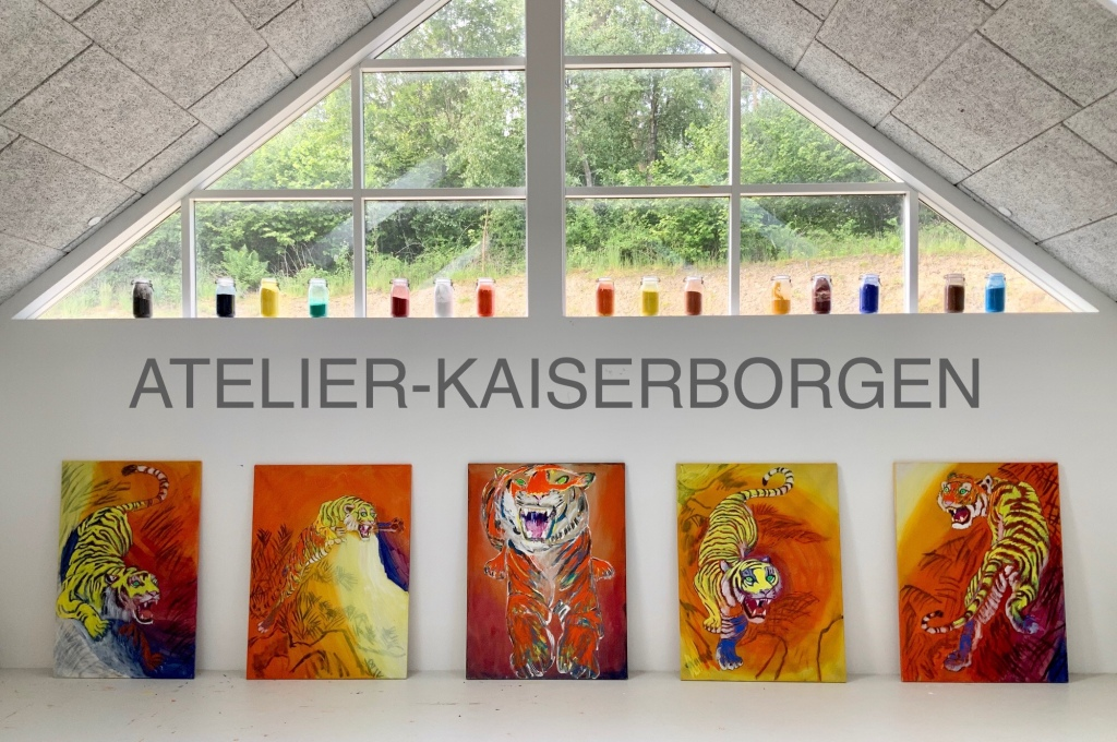 SOLGT. - 5 malerier der hver måler 130x97 cm. Uffe Christoffersen. Atelier-Kaiserborgen.